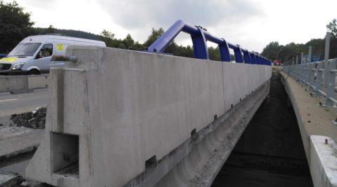 D1 modernizace-úsek 12 Exit 90-Exit 104 – kotvená svodidla