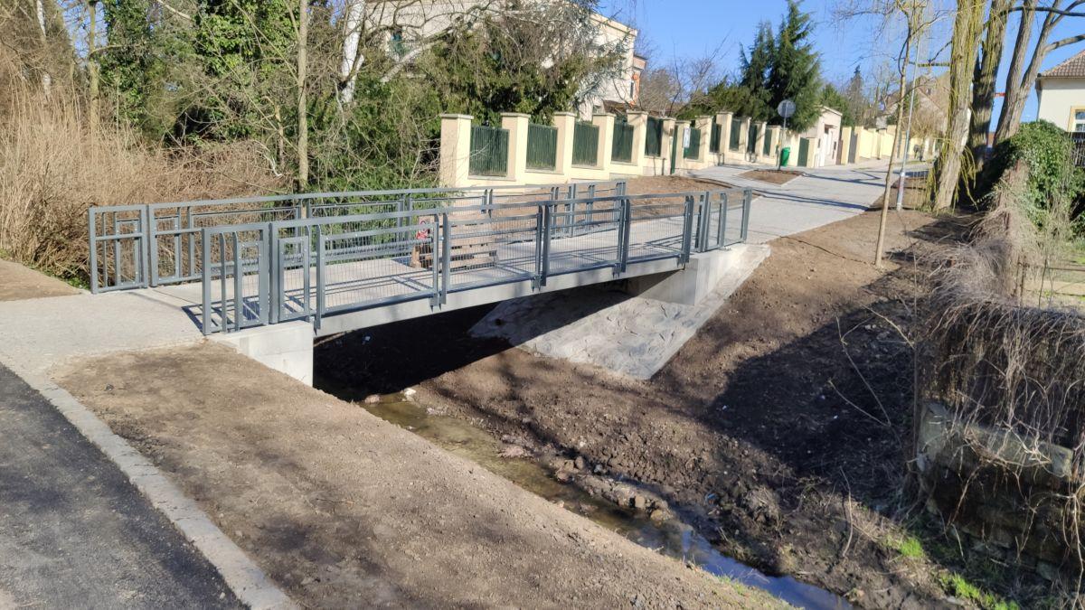 Čelákovice – 2 lávky přes Čelákovický potok