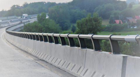 D1 úsek 02 EXIT 21–EXIT 29, kotvená svodidla Hvězdonický most